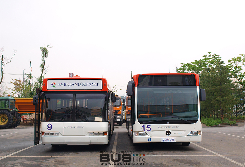 네오플랜 버스와 벤츠버스